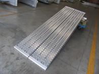 Auffahrrampen mit gefräster Oberfläche für Stahlbereifung