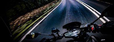 Motorrad in Kurve