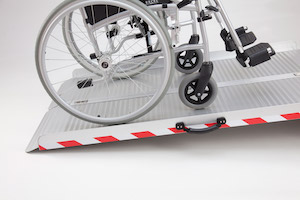 Faltbare Rollstuhlrampe